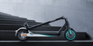 Xiaomi представила Mi Electric Scooter Pro 2 Mercedes-AMG Petronas F1 Team Edition