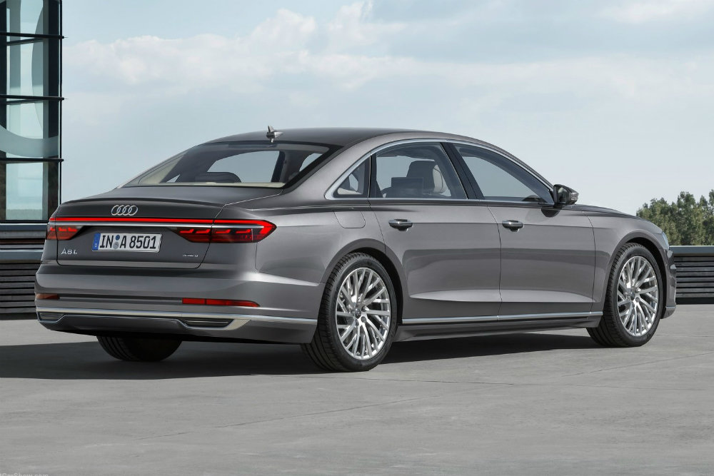 Audi A8 Horch поставит на место Mercedes-Maybach