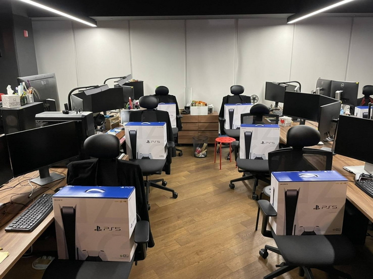 Глава студии-разработчика Project Eve подарил всем сотрудникам по PS5 после успешного показа игры