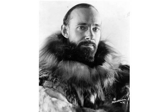 В 1931 году Уилкинс попытался достичь Северного полюса на подводной лодке под водой