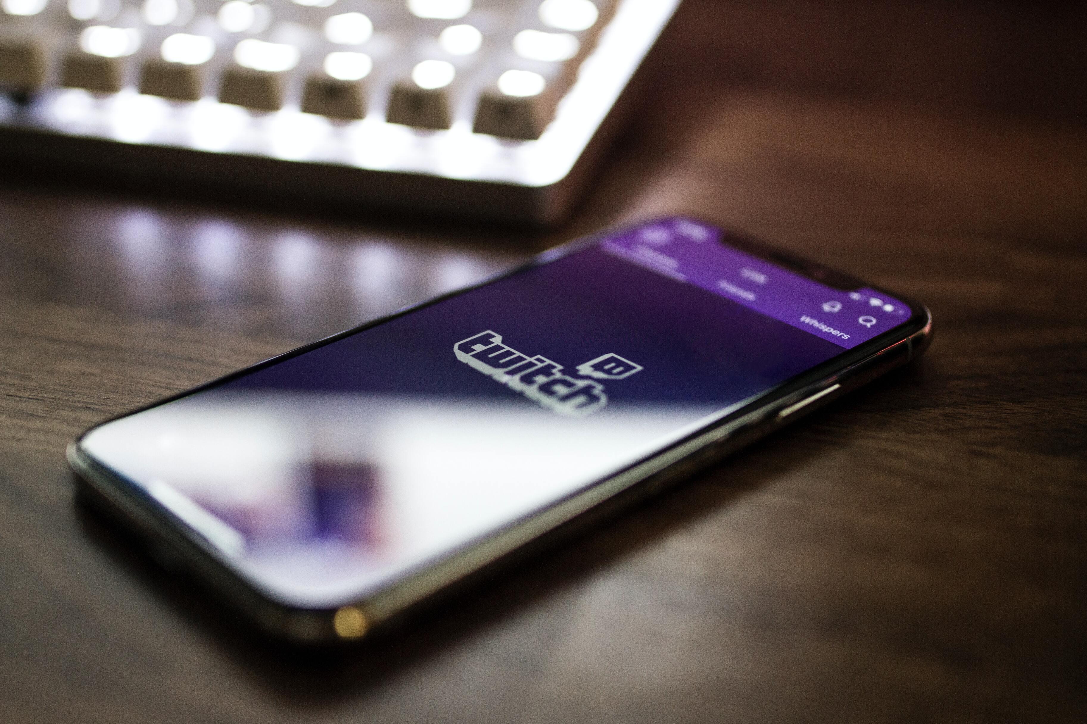Цифра дня: Сколько часов тратят люди на просмотр Twitch?