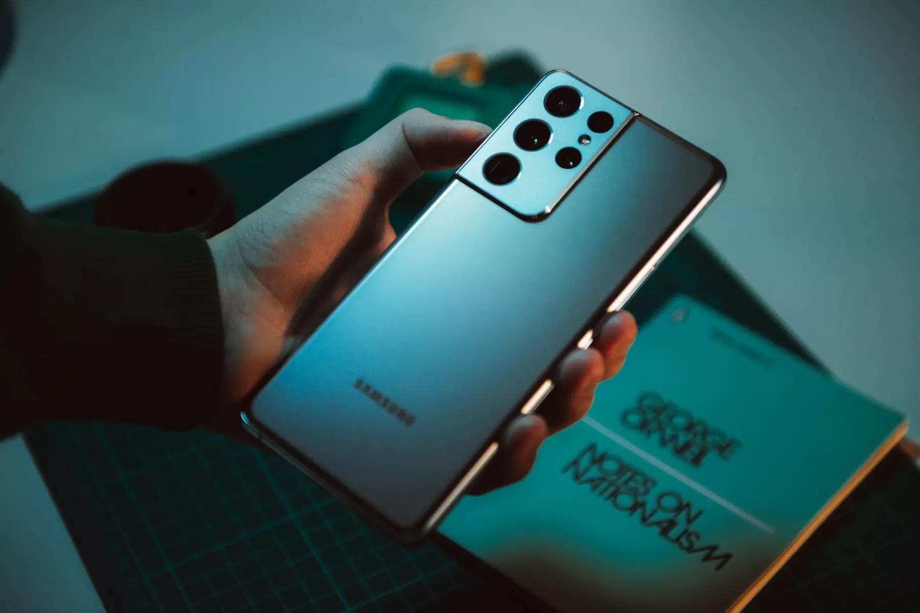Samsung перевыпустит обновлённые флагманские смартфоны Galaxy S21