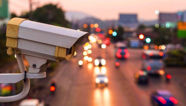 Нейросети начнут распознавать частично закрытые номера машин на дорогах России