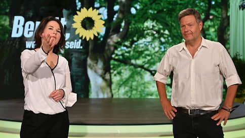 Немецким консерваторам дают зеленый свет на выборах // Их конкурентка Анналена Бэрбок стремительно теряет шансы стать канцлером