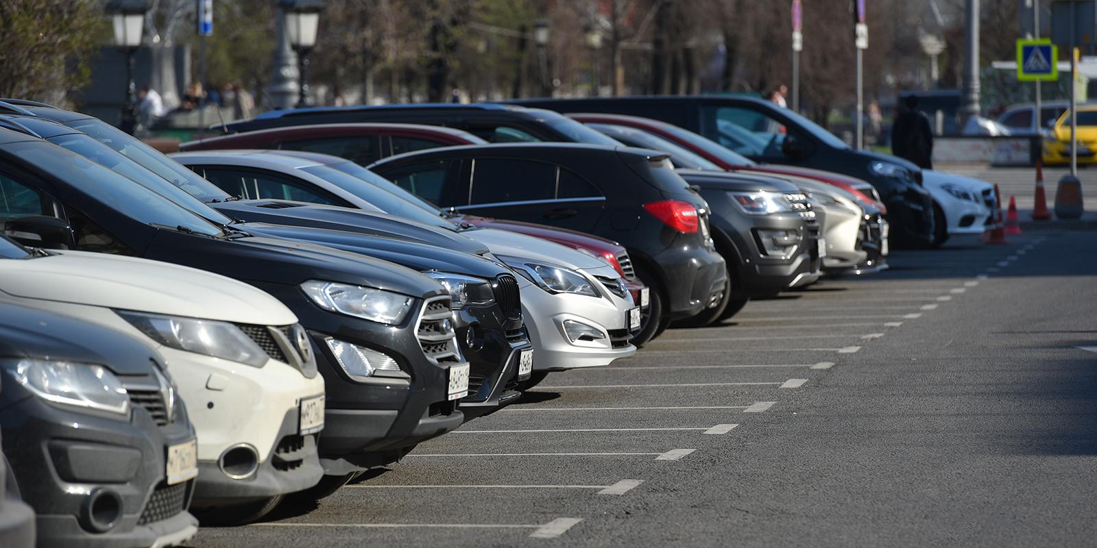 Бесплатную парковку организовали на месте незаконной постройки в Филях-Давыдкове