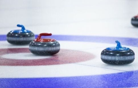 Женская сборная России по кёрлингу одержала шестую победу подряд на ЧМ-2021