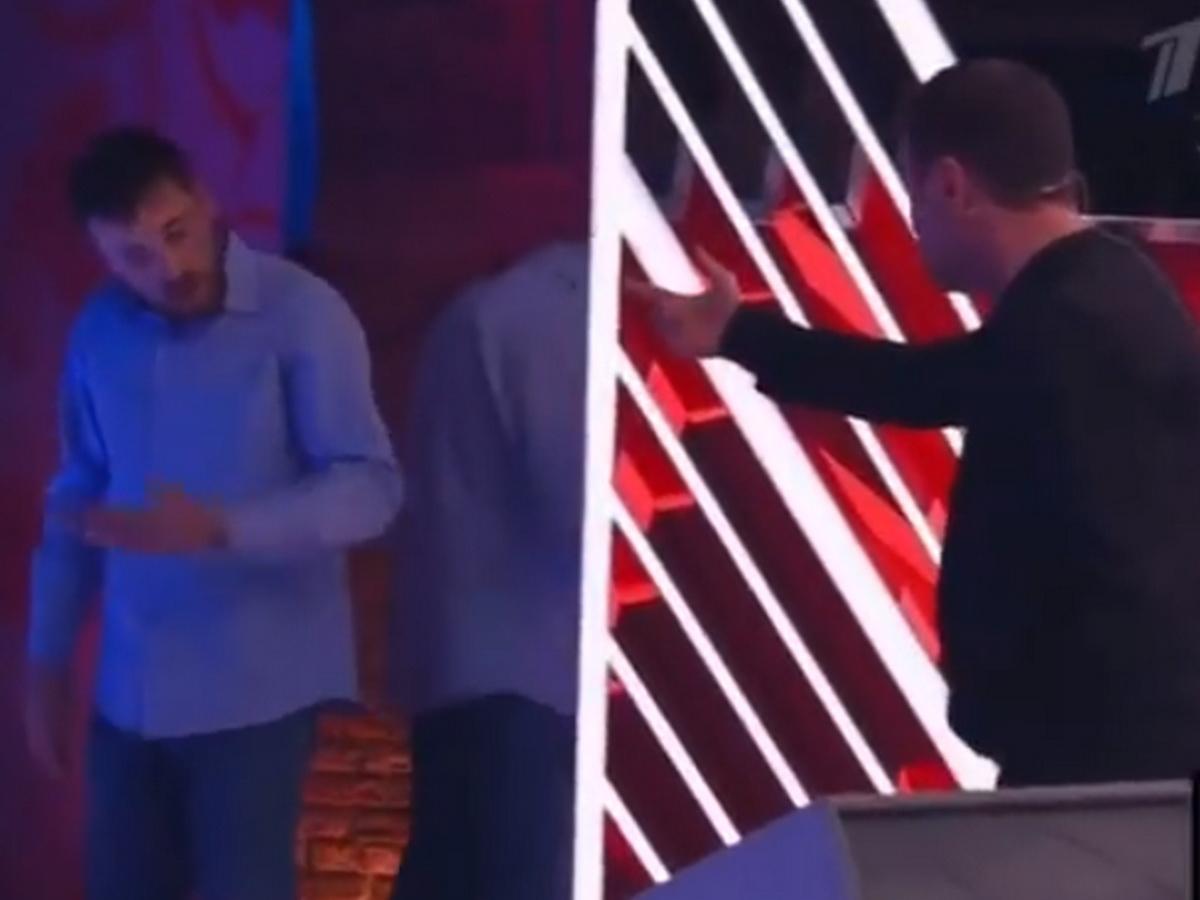 """""""Я тебя перед всеми хочу убить сейчас"""": видеозагадка Харламова из ток-шоу """"Первого канала"""" рассмешила Сеть"""