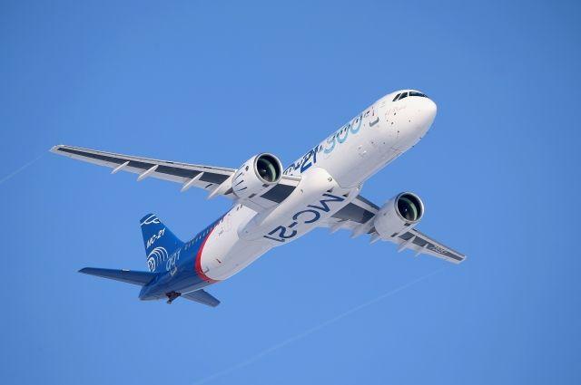 Россия обсуждает с Казахстаном поставки самолетов SSJ-100 и МС-21