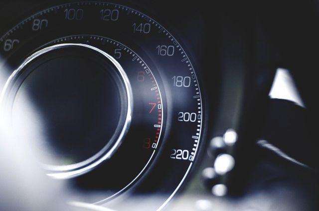 МВД и Минтрансу поручили договориться о штрафах за превышение на 10 км/ч
