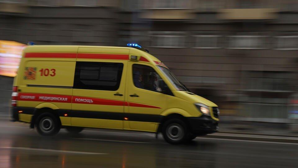 Водитель сбил курьера у входа в метро на юго-востоке Москвы и скрылся