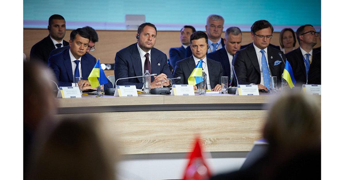 Страна (Украина): «Путь на Запад исчерпан, на Восток идти страшно». Киев, США и ЕС все чаще обмениваются упреками. Что это значит? (Страна.ua)