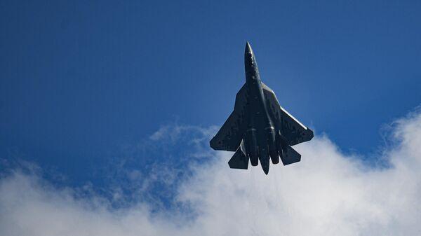 Су-27 сопроводил немецкий истребитель над Балтикой