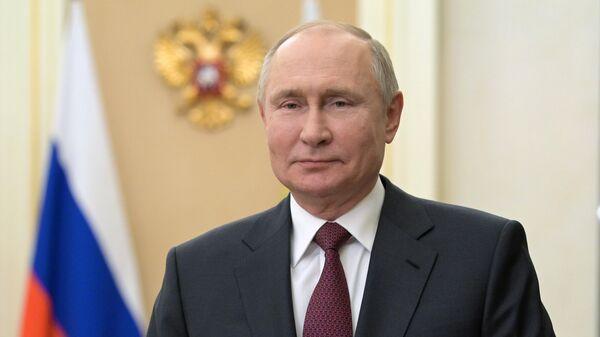 Путин поздравил страны СНГ с 76-летием Победы