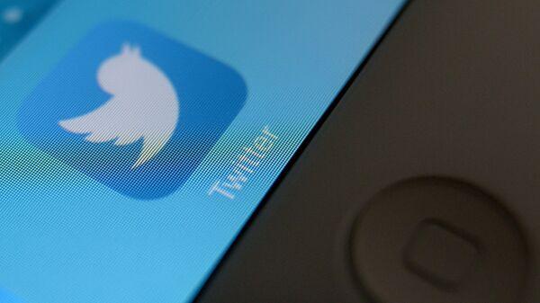 Twitter объяснил блокировку аккаунта вакцины 'Спутник V'