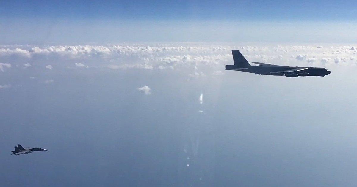 Forbes (США): численность войск НАТО на территории вблизи России невелика. Им нужны американские бомбардировщики (Forbes)