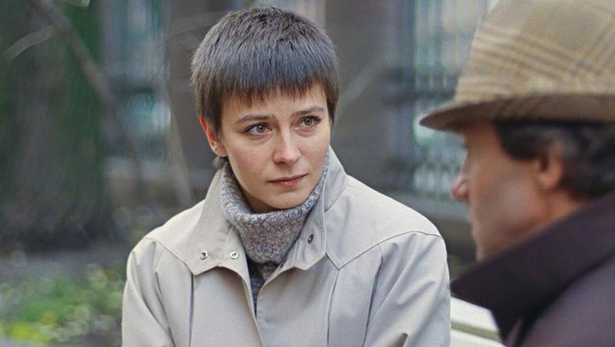 Актрису Елену Сафонову госпитализировали с пневмонией