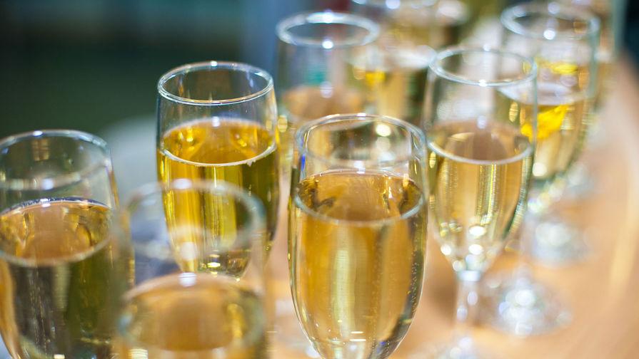 В Россию возобновятся поставки шампанского из Франции
