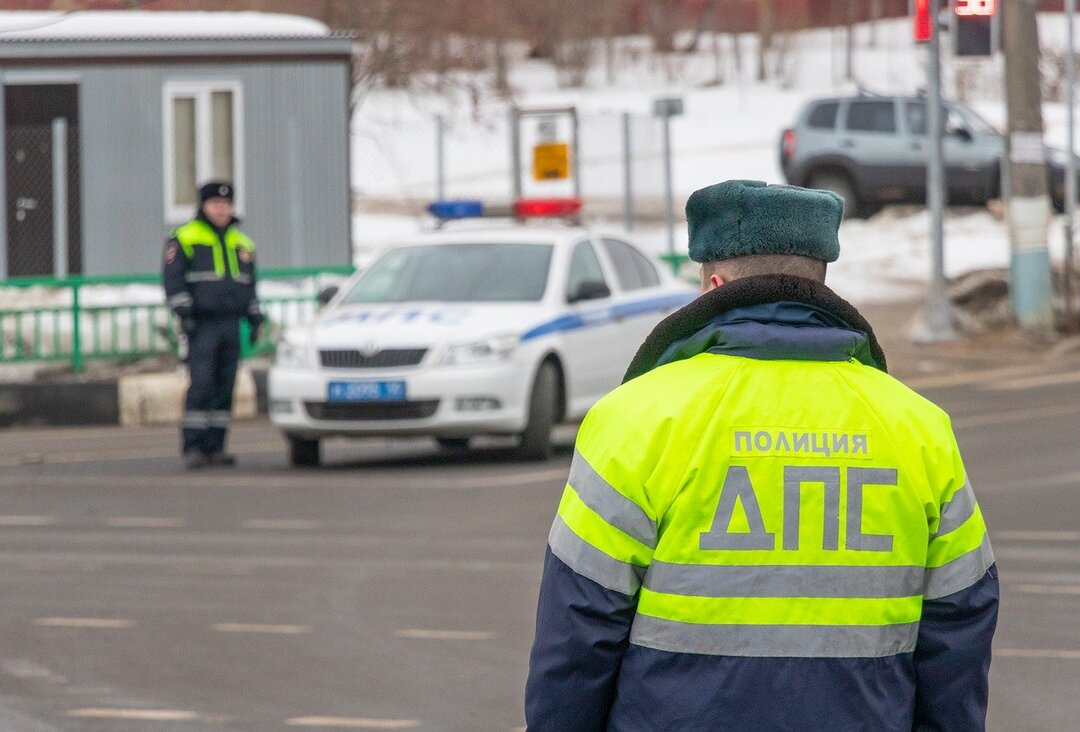 Московского гаишника поймали на взятке в 35 млн рублей