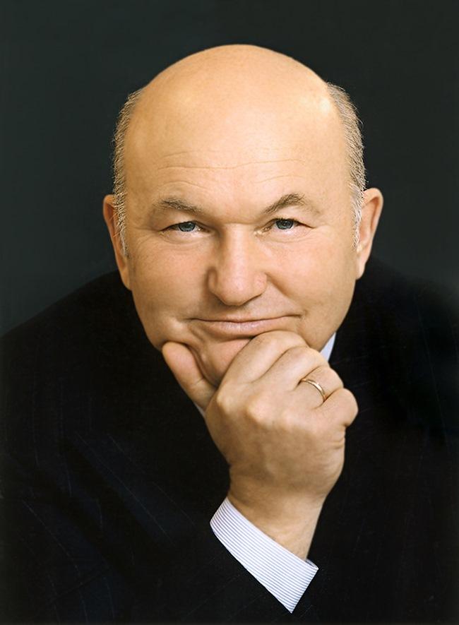 'Собеседник' узнал, где и когда в Москве поставят памятник Юрию Лужкову