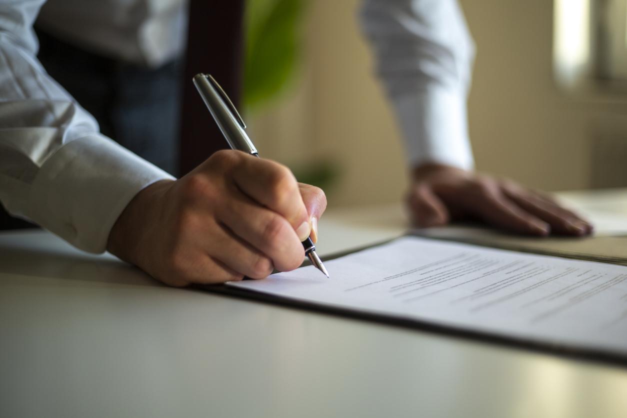 Минюст захотел получить доступ к операциям и банковским счетам граждан и юрлиц