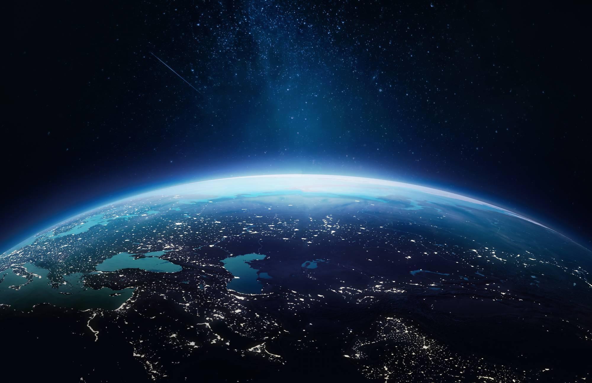 Земля в иллюминаторе темна: Учёные пришли в ужас после измерений яркости нашей планеты