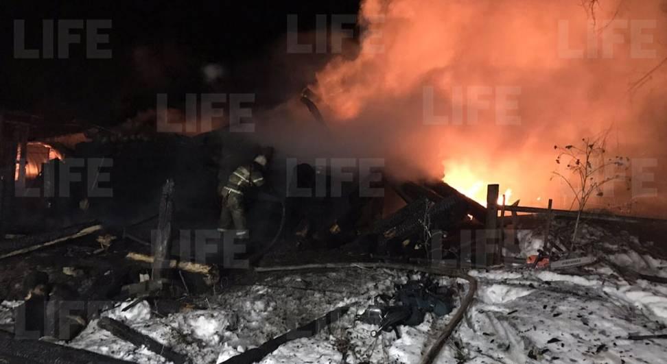В Удмуртии жертвами пожара в частном доме стали четыре человека
